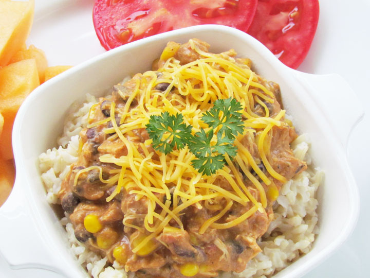 Easy Cheesy Mexican Chicken - A delicious and healthy slow cooker recipe!