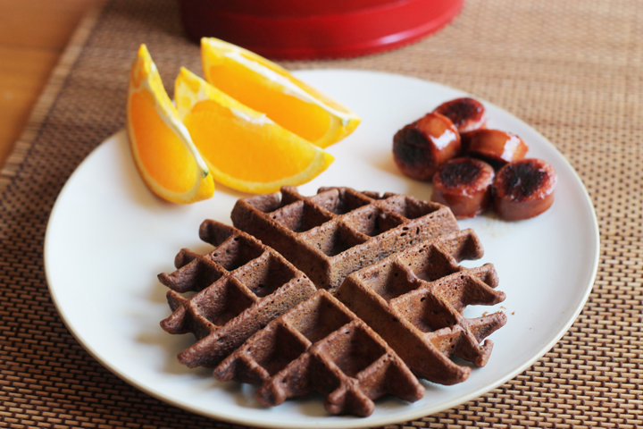 These low in sugar, low fat, banana brownie waffles are sure to please your family!