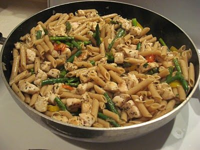 Chicken Penne Pasta with Asparagus and Peppers