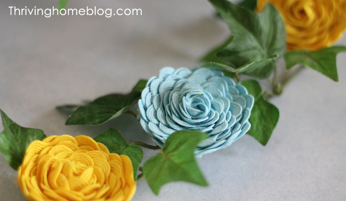 how to make a rick rack flower
