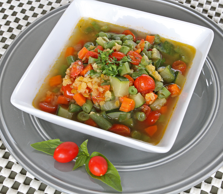 Garden Vegetable and Lentil Soup: If you're looking for a low calorie, nutritionally-dense, and tasty soup….this is it! #realfood #freezermeal #superhealthy