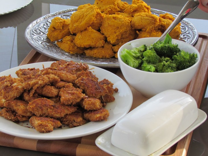 Homemade, crispy chicken nuggets with just a few healthy ingredients! Try these the next time your family wants the fast food version. They will not disappoint!