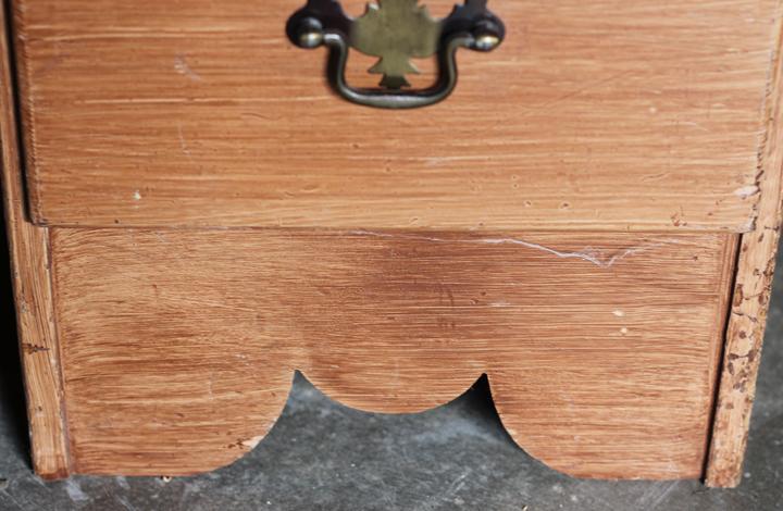 desk before details