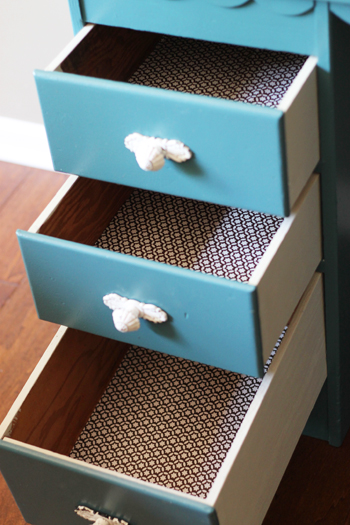 drawers with liners