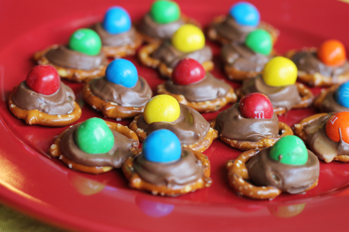 Delicious, bite size Rolo pretzel treats. Takes just a snap to make them and can be made a few days in advance.