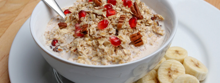 Make these homemade instant oatmeal packs ahead of time to enjoy a healthy and quick breakfast. Perfect for busy school mornings!
