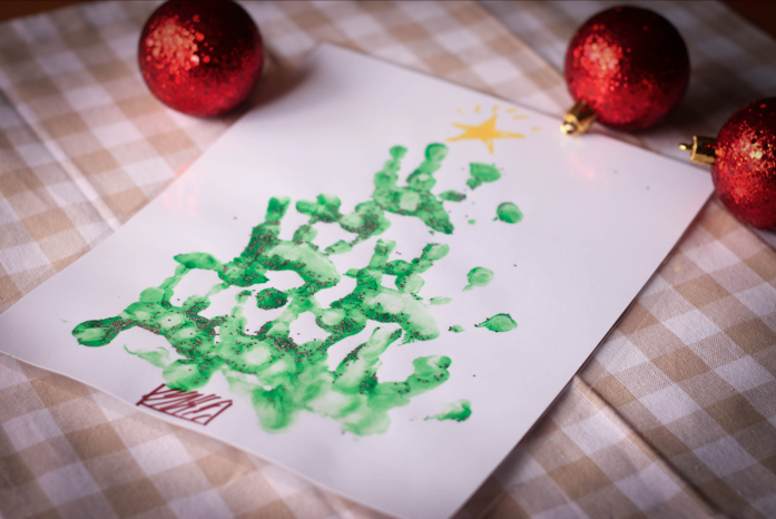 Christmas hand print craft. Great gift idea for grandparents.