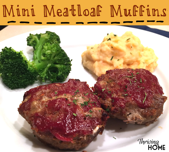 These mini meatloaf muffins are a kid and parent favorite! #freezermeal #realfood