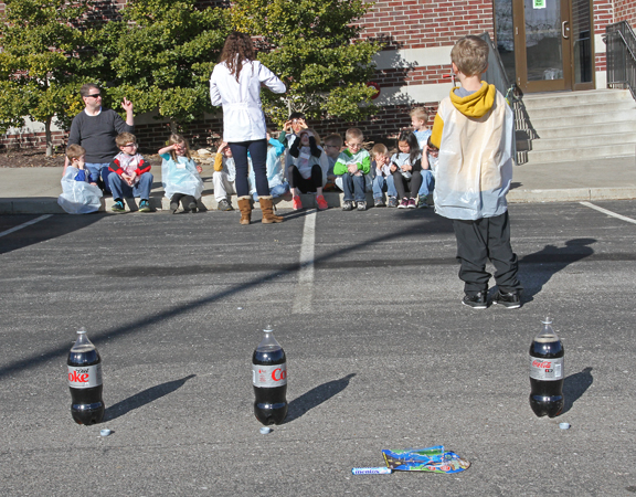 Mentos and Diet Coke Explosion: This science experiment is fun and easy at home, school or for a science birthday party!