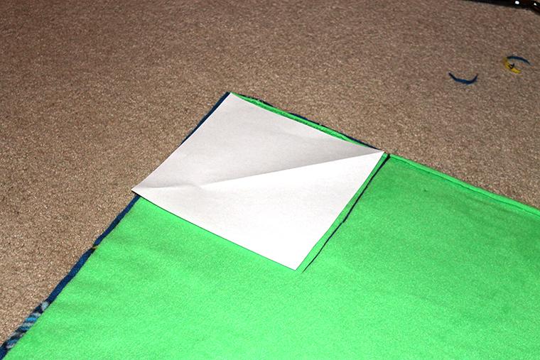 knot blanket corner