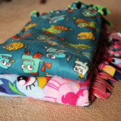 How to Make a Fleece Knot Blanket