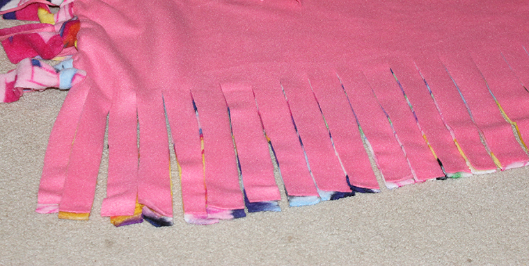 kids knot blanket