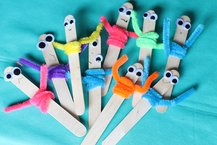 toddler craft with pipe cleaners & Pipe Cleaner Craft: Popsicle Pals | Thriving Home