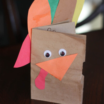 Thankful Turkeys: A Meaningful (& Easy) Thanksgiving Craft