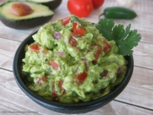 Secret-Ingredient-Guacamole-The-Tastiest-Easiest-Guac-Ever