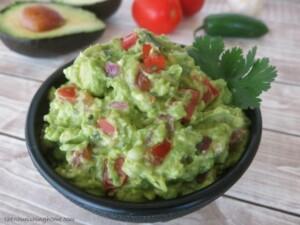 Secret-Ingredient-Guacamole-The-Tastiest-Easiest-Guac-Ever