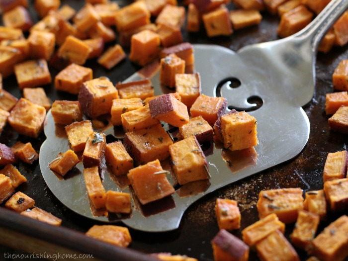 Roasted-Herb-Sweet-Potato-Bites-Close-Up