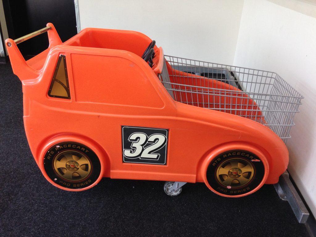 Hy-Vee race cart