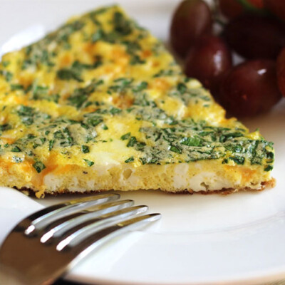 10-Minute Spinach Cheddar Frittata: Easy Weeknight Meal