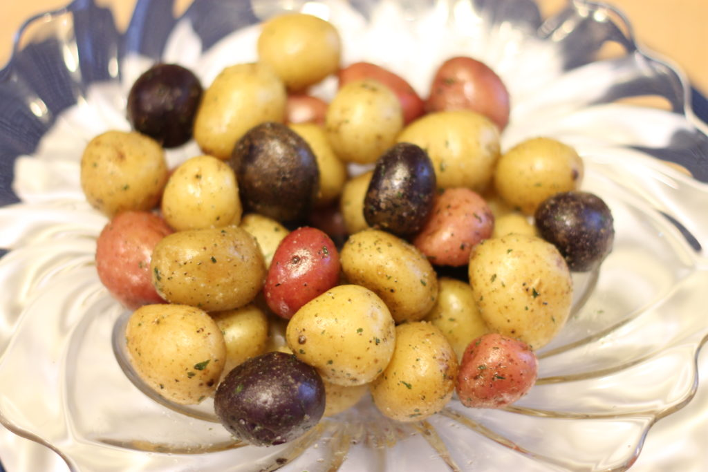 Simple and Delicious Boiled Baby Potatoes