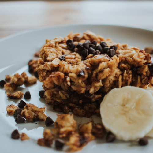 Pumpkin Chocolate Chip Baked Oatmeal is an easy and healthy breakfast or snack. It is a great family recipe and ideal for large groups!