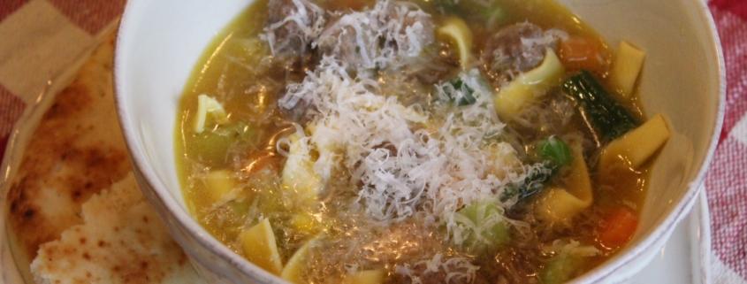 Healthy, freezer-friendly mini meatballs soup