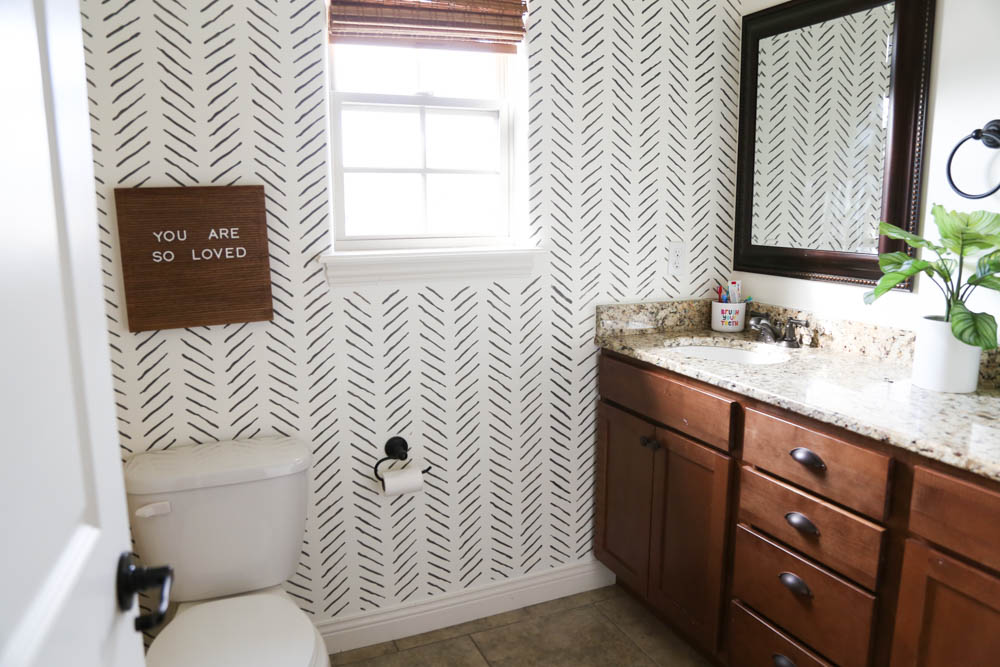 Stenciled wall in bathroom