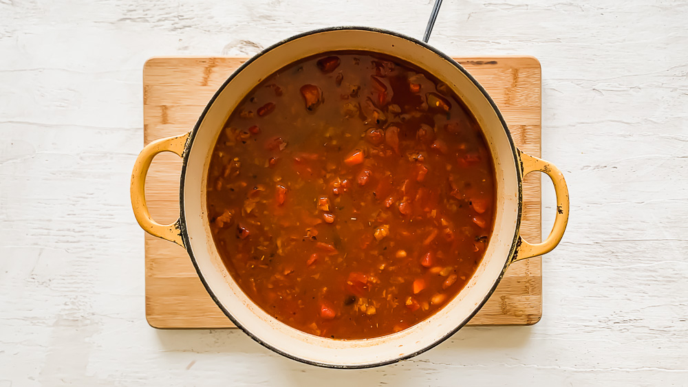 a large pot of vegetarian chili after being cooked